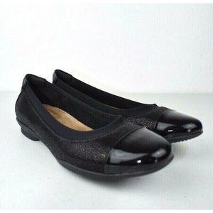 Clarks Artisan Ballet Flats Shoe Cap Toe 9 M